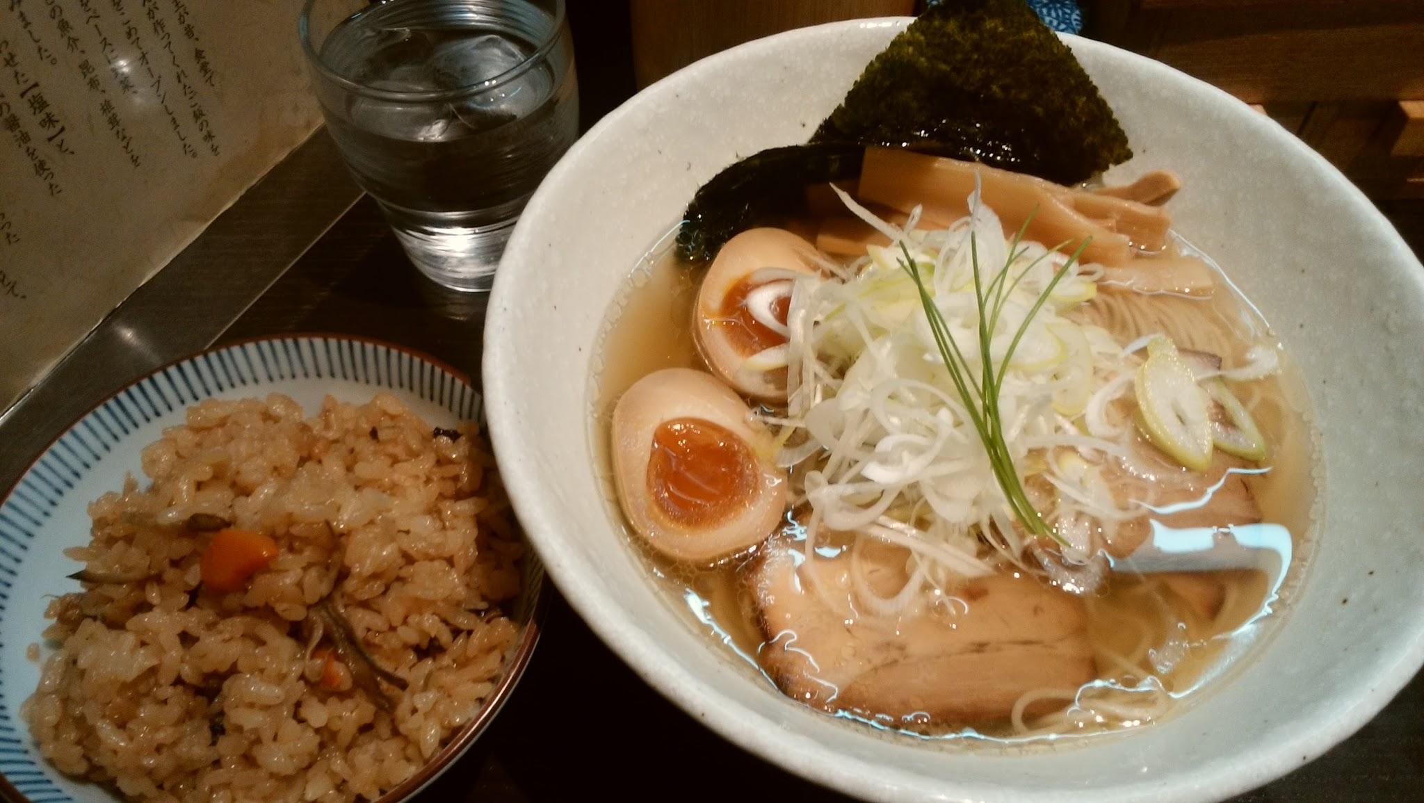 飯田橋ランチ 「塩ラーメン」。。。それが今の正義